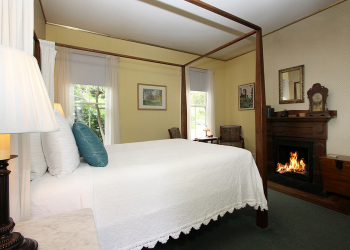 the-master-room-fireplace-mendocino-bb